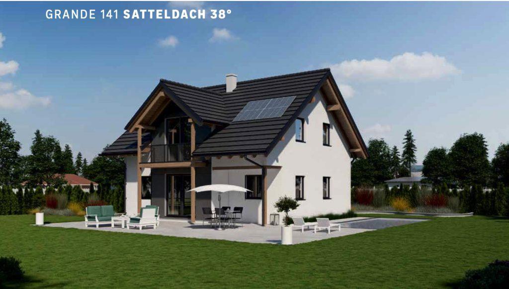 Grande 141 mit Satteldach 38°, Satteldachgaube, Balkon, überdachter Terrasse, Solarmodul